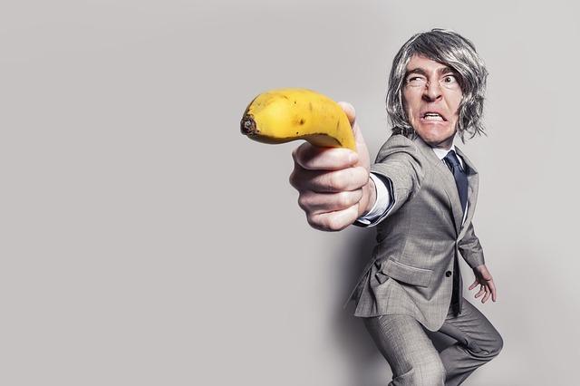 banán jako zbraň